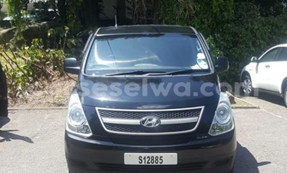 Buy Used Hyundai H1 Blue Car in Beau Vallon in North Mahé
