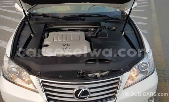 Buy Import Lexus ES White Car in Import - Dubai in East Mahé