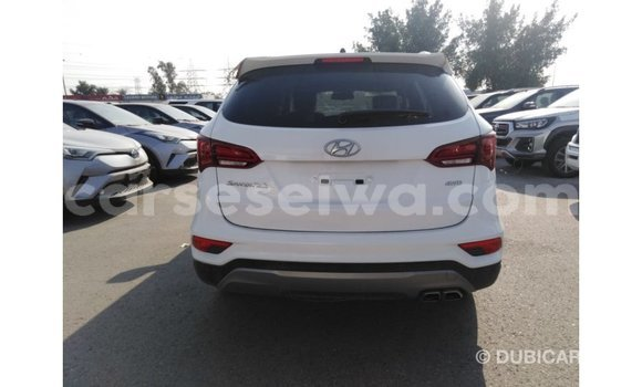 Buy Import Hyundai Santa Fe White Car in Import - Dubai in East Mahé