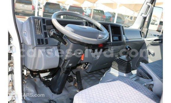 Buy Import Isuzu Rodeo White Car in Import - Dubai in East Mahé