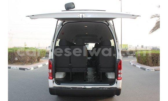 Buy Import Toyota Hiace White Car in Import - Dubai in East Mahé