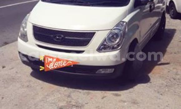 Buy Used Hyundai H1 White Car in Anse Aux Pins in East Mahé