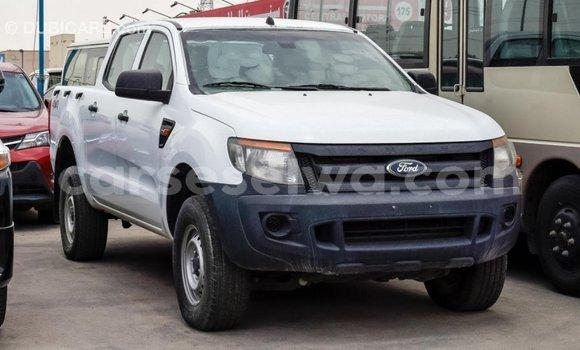 Acheter Importé Voiture Ford Ranger Blanc à Import - Dubai, East Mahé
