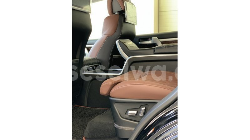 Big with watermark toyota land cruiser east mah%c3%a9 import dubai 5106