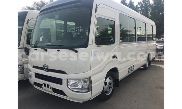 Medium with watermark toyota coaster east mahe import dubai 5598