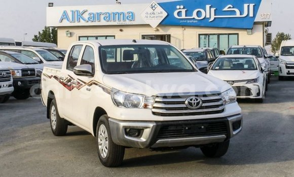 Medium with watermark toyota hilux east mahe import dubai 5629