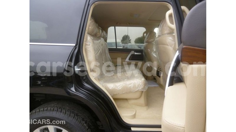 Big with watermark toyota land cruiser east mahe import dubai 5776