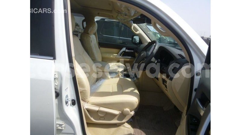 Big with watermark toyota land cruiser east mahe import dubai 5885