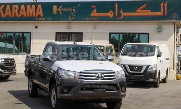 Medium with watermark toyota hilux east mahe import dubai 6181