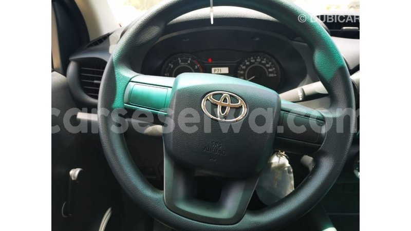 Big with watermark toyota hilux east mahe import dubai 6727