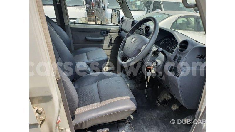 Big with watermark toyota land cruiser east mahe import dubai 7085