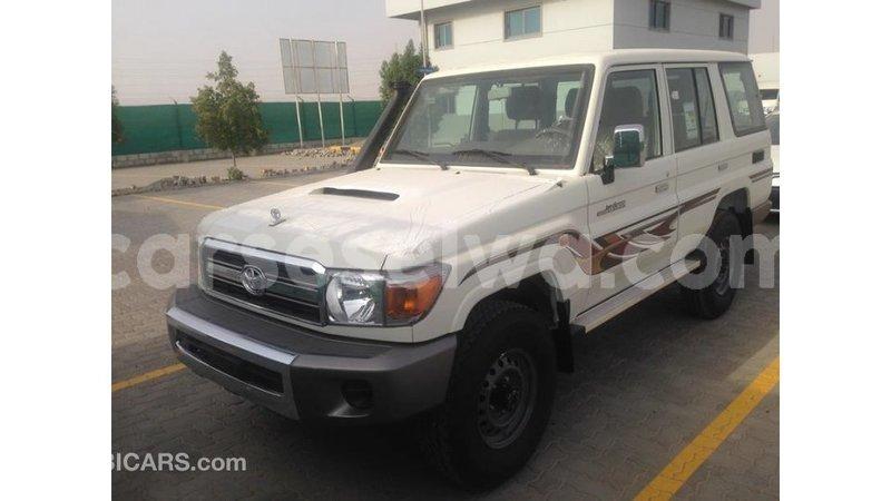 Big with watermark toyota land cruiser east mahe import dubai 7114