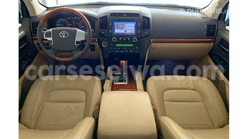 Big with watermark toyota land cruiser east mahe import dubai 7178