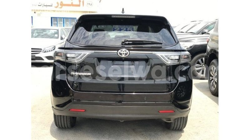 Big with watermark toyota harrier east mahe import dubai 7226