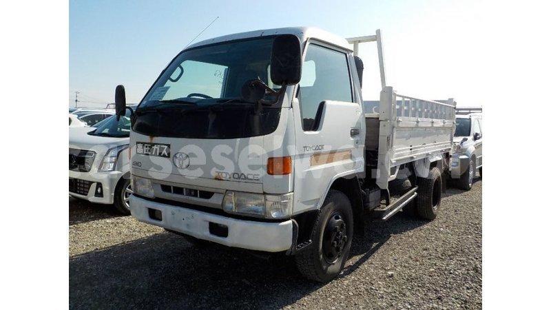 Big with watermark toyota dyna east mahe import dubai 7267