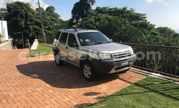 Buy Used Land Rover Freelander Silver Car in Anse Aux Pins in East Mahé