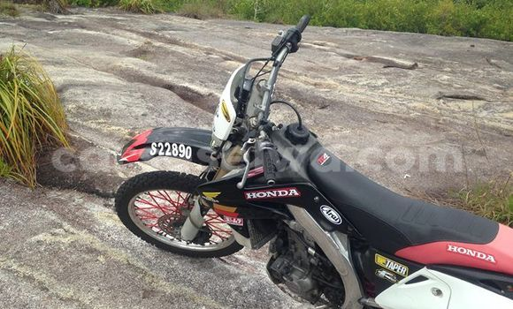 Buy Used Honda CRF 450X Black Moto in English River in Greater Victoria