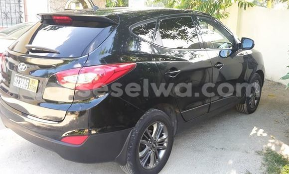 Buy Used Hyundai Tucson Black Car in Beau Vallon in North Mahé