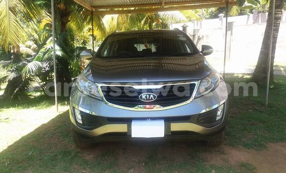 Buy Used Kia Sportage Silver Car in Beau Vallon in North Mahé