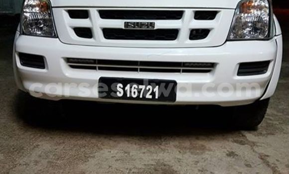 Buy Used Isuzu Wizard White Car in Beau Vallon in North Mahé