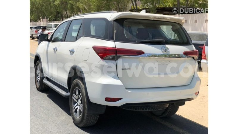 Big with watermark toyota fortuner east mahe import dubai 7317
