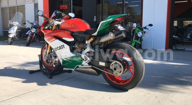 Big with watermark ducati panigale south mahe baie lazare 7384