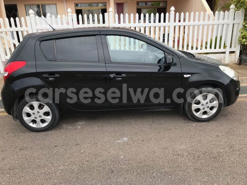 Buy Used Hyundai Grand i10 Black Car in Mahe in Victoria - CarSeselwa