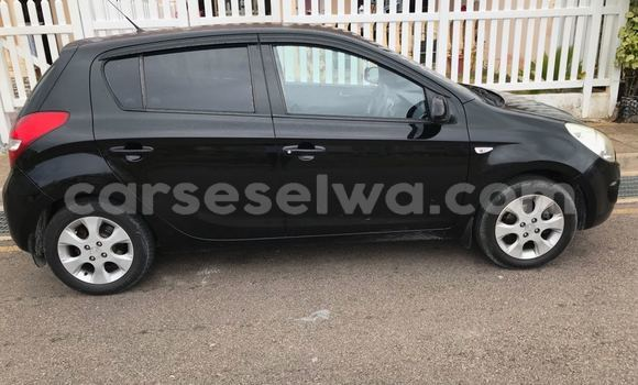 Buy Used Hyundai Grand i10 Black Car in Mahe in Victoria