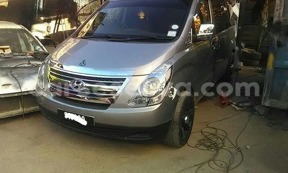 Buy Used Hyundai H1 Silver Car in Beau Vallon in North Mahé