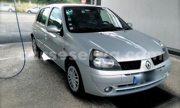 Medium with watermark clio 1