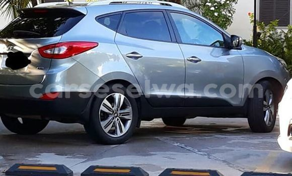 Buy Imported Hyundai ix35 Silver Car in Baie Lazare in South Mahé