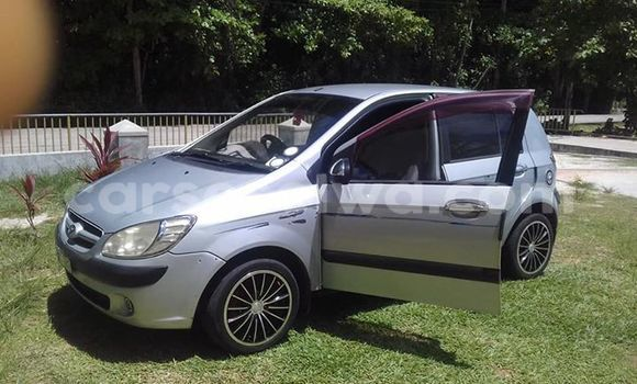 Buy Used Hyundai Getz Silver Car in Beau Vallon in North Mahé