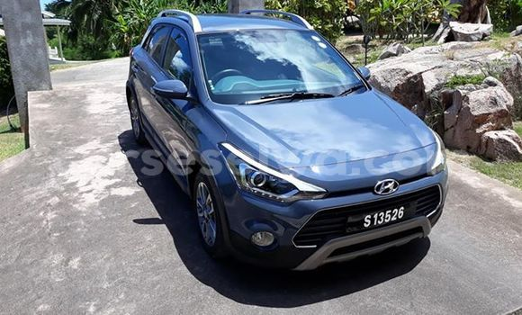 Buy Used Hyundai i20 Blue Car in Beau Vallon in North Mahé