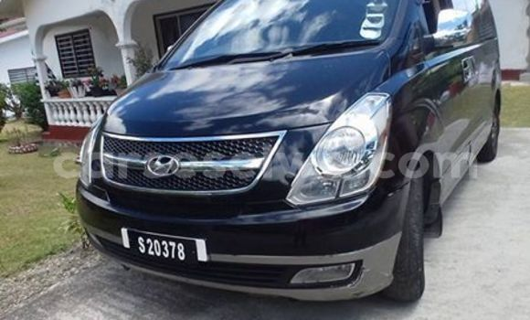 Buy Used Hyundai H1 Black Car in Beau Vallon in North Mahé
