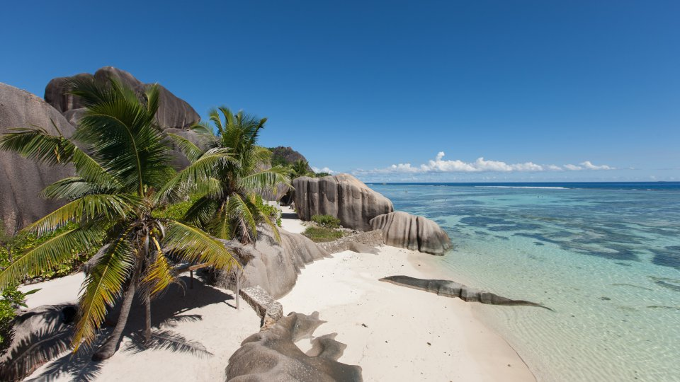 La digue anse source d argent 01 header